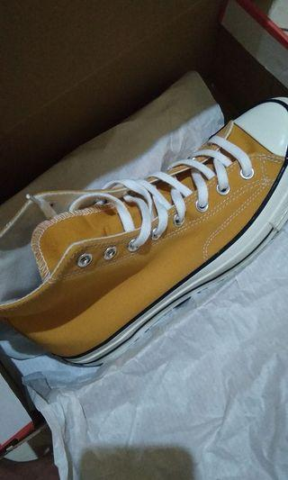 "Converse 70""s sunflower"