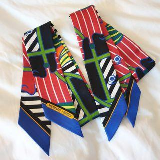 🚚 Brand New Silk Twilly (Pair), Quadrige Bayadere -yu/rouge/orange/vert
