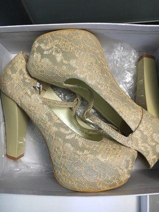 Champagne Heel