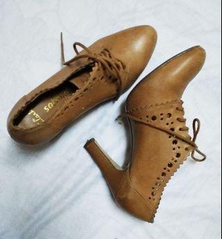 #PRICEREDUCED📢 Clark Softwear