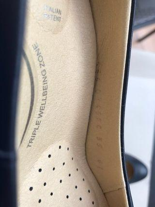 🚚 Geox heels / court shoes