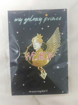 SHINee Onew Enamel Pin (My Galaxy Pin) by Moonrapbbit