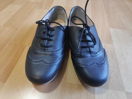 Womens brogues size 8