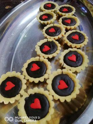 Sprinkle Hearts Chocolate Tart