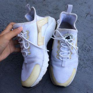 Nike huarache ultra authentic