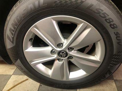 Harrier 2014 Ori Japan rims 17'' with new tyre.