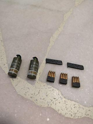 1/6 FIGURE M18 Smoke Grenade set