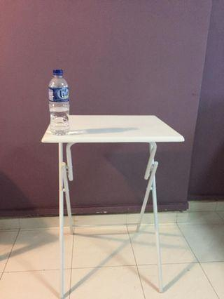 🚚 Foldable table - side table