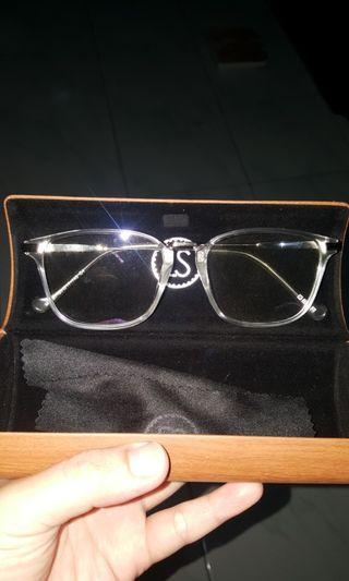 Kacamata gaya bening no minus