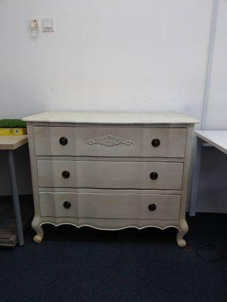 Luxury Chest of drawer