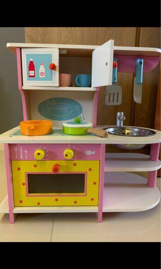 🚚 Wooden kitchen set with toy vegetables and fruits