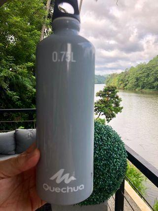 Botol Minum Quechua 0.75L (decathlon product)