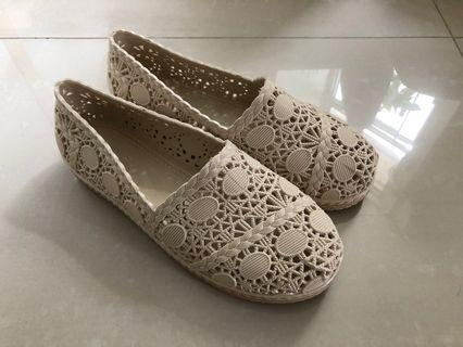 100%new 水鞋 water shoes size 38