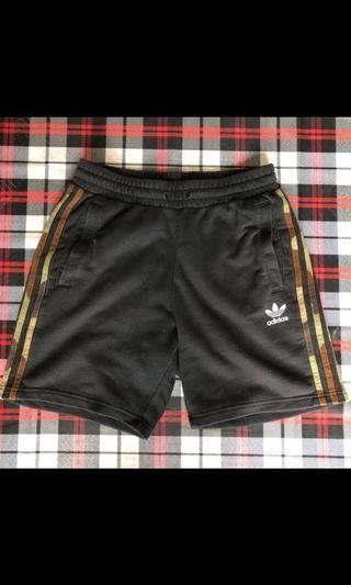 Adidas originals 短褲 m號
