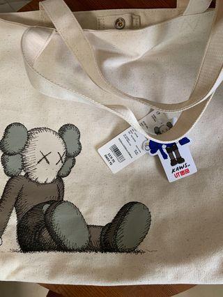 🚚 Uniqlo x Kaws Tote Bag