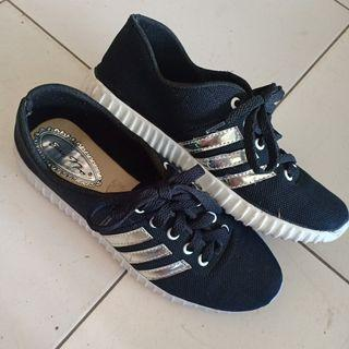 Adidas Shoes Local