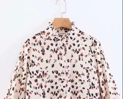 🚚 歐美彩色豹紋筆刷潑墨感荷葉邊設計領口澎澎袖長袖襯衫