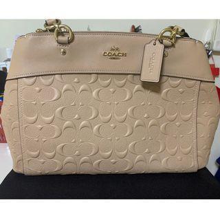 🚚 Coach Women's handbag New!!! Selling at $350
