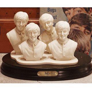 限量版Beatles雕塑