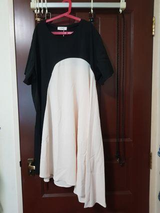 🚚 Vi Bonnie (Black with Off White)Dress