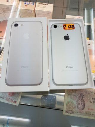 apple 7 128GB 銀(台灣公司)