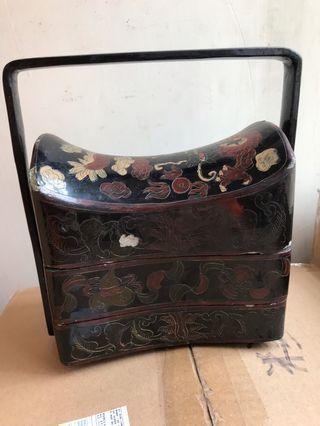 古董龍紋三層漆盒