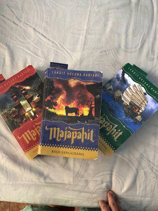 Novel Majapahit by Langit Kresna Hariadi (lengkap 1-3)