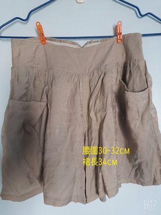 🚚 褲裙 隨性風 有內襯 旁邊有兩個口袋