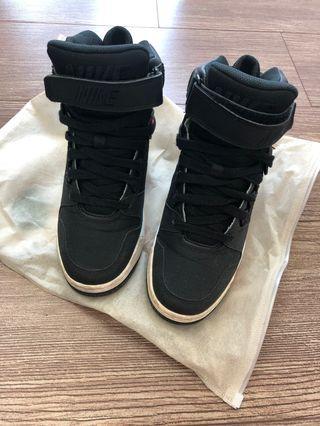 🚚 Nike 內增高鞋