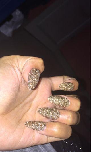Fake nails gold