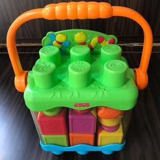 🚚 Fisher Price Peek-a-Boo Stack n Surprise Blocks ( include a caterpillar stack n surprise)