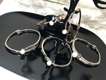 🚚 壓釦式 鑲鑽珍珠手環