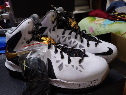Nike lebron x elite us9.5