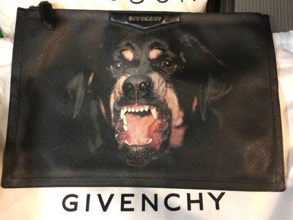 Givenchy Clutch 90%NEW