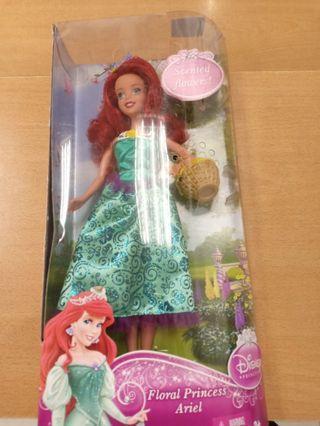 2 item Barbie Disney princess