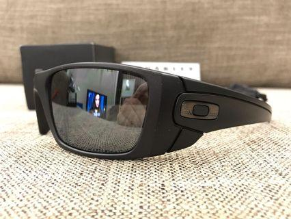 Oakley™️ FUEL CELL (Cerakote Graphite Black/Black Iridium Polarized)
