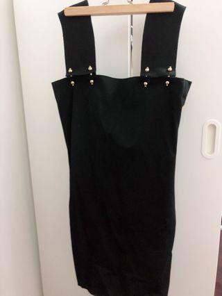 🚚 出清!宴會party寬肩帶金珠扣背拉鍊窄身連身黑裙