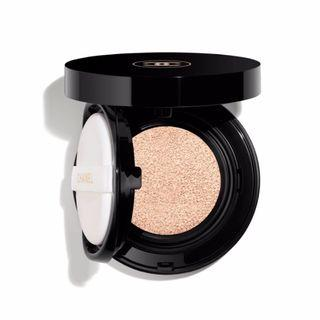 Chanel Vitalumiere Glow Luminous Touch Foundation (Shade 20 Beige)
