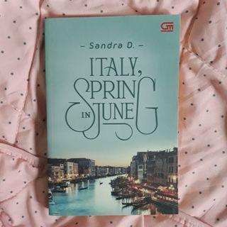 Novel Italy, Spring In June karya Sandra D