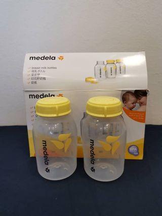 Medela milk bottles x 2