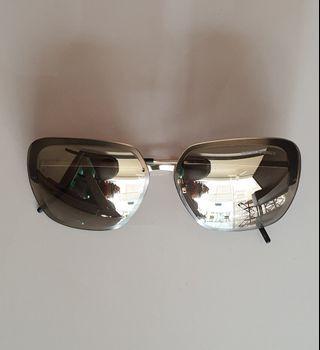 🚚 Authentic Emporio Armani EA 2045 3124/5A UV Protection Sunglasses (H5.3cm × W13.1cm)