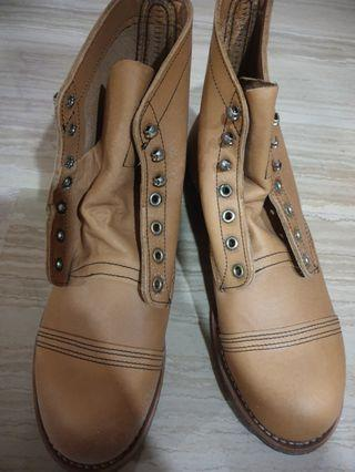 Brand new red wings for sales