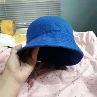 Topi / Bucket Hat