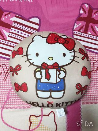 Hello kitty抱枕 正版的