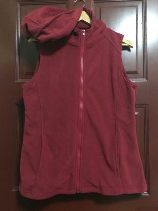 🚚 Fleece vest with hood