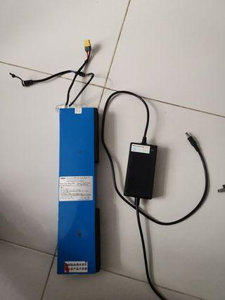 36v 10ah stock fiido batt come with charger