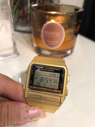 CASIO 金色錶帶電子錶