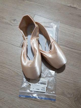 SONATA pointe shoes, Bloch (size: 6C)