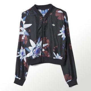 🚚 adidas floral track jacket