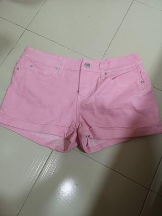 🚚 Pink Shorts